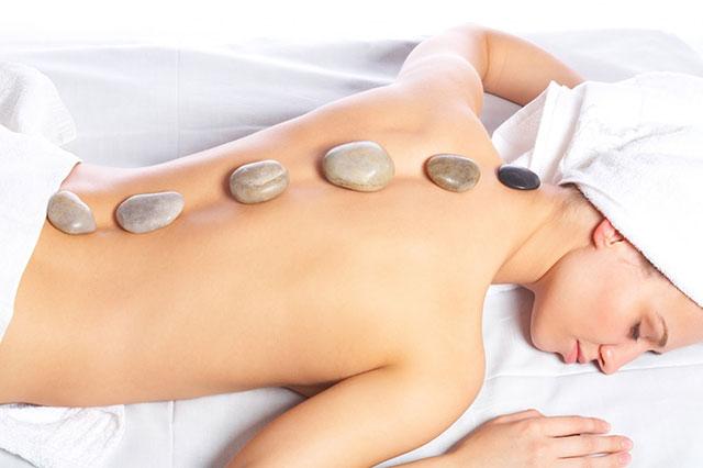 masaje piedras calientes almeria
