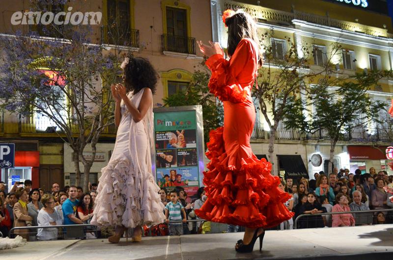 desfile la noche en blanco de Almeria