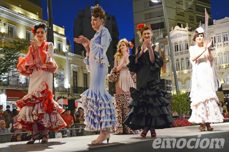 desfile la noche en blanco almeria