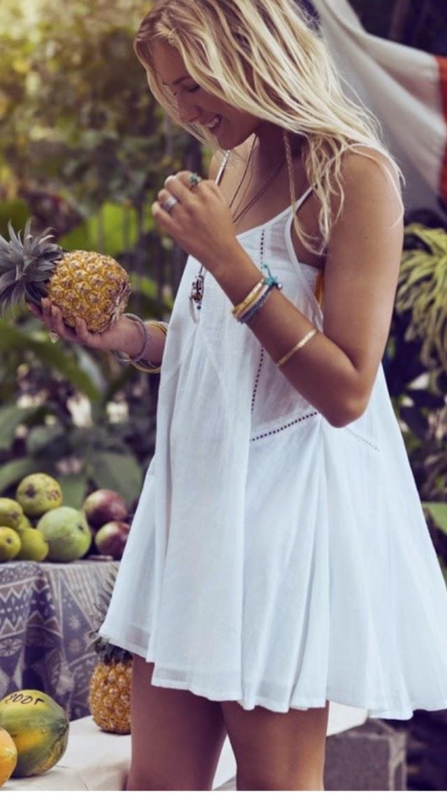 Imprescindibles para el verano, vestido blanco